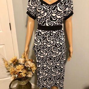 TAHARI - Black and White Floral Design Dress
